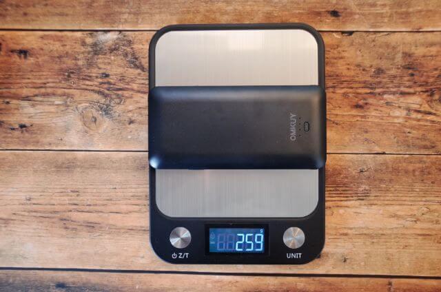OMKYUのモバイルバッテリーの重量