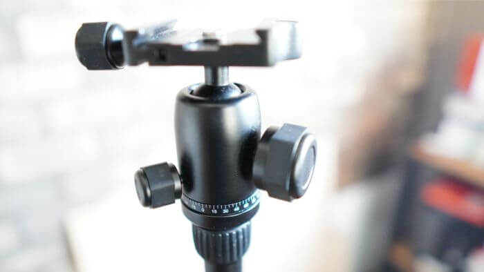 Manfrotto Elementは自由雲台