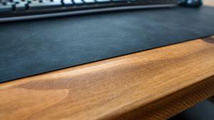 MIWAXのデスクマットは0.9mm