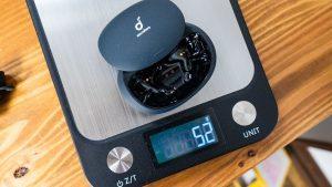 Ankerの完全ワイヤレスイヤホン「Soundcore Liberty 2 Pro」のケースの重さは52g