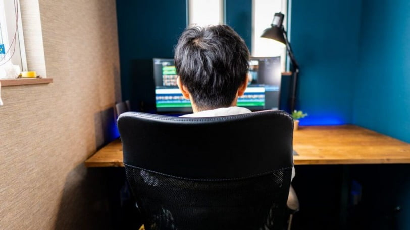 【デスクツアー】「ATOMS」管理人のデスク周り・作業環境